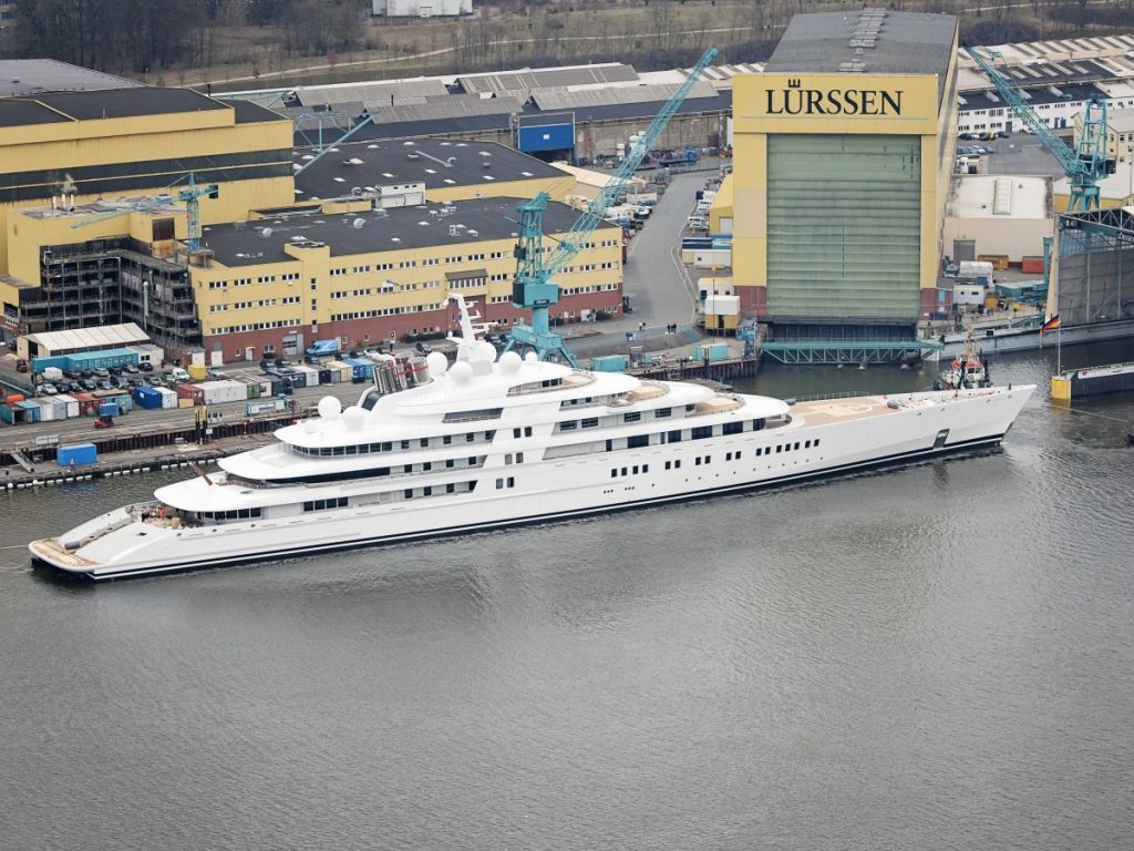 Azzam Is The Largest Motor Yacht In The World And We Have ...