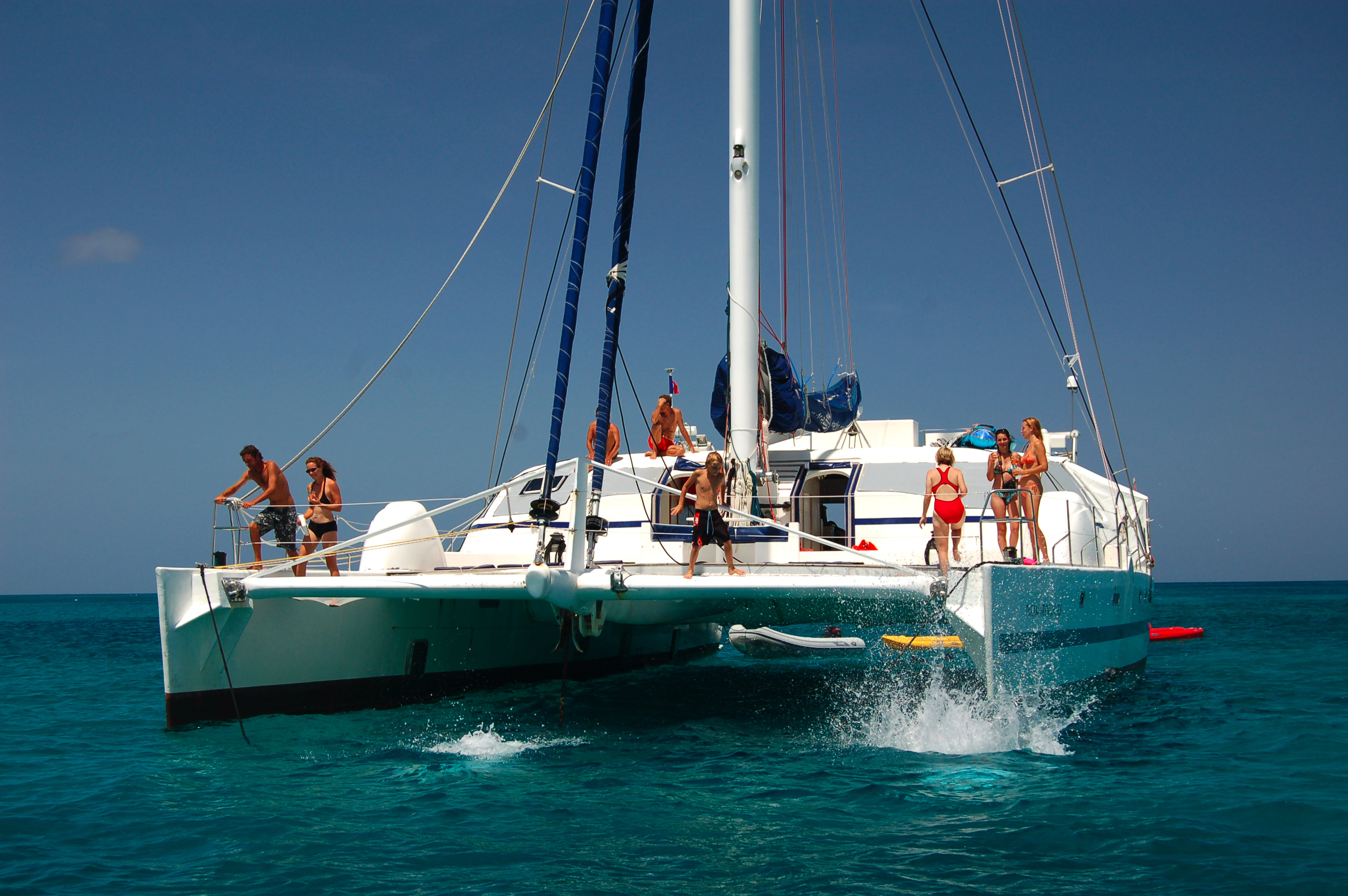 Tropical Island Yacht Caribbean Yacht Charters Options For Tropical Island Boating Vacations