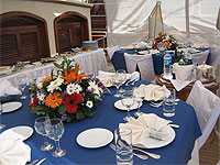 Charter-yacht-OFELIA-table-