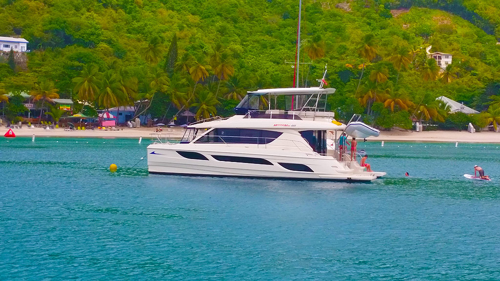 Power Catamaran in the BVI